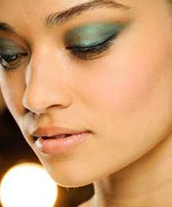 Shimmery teal shaded lids